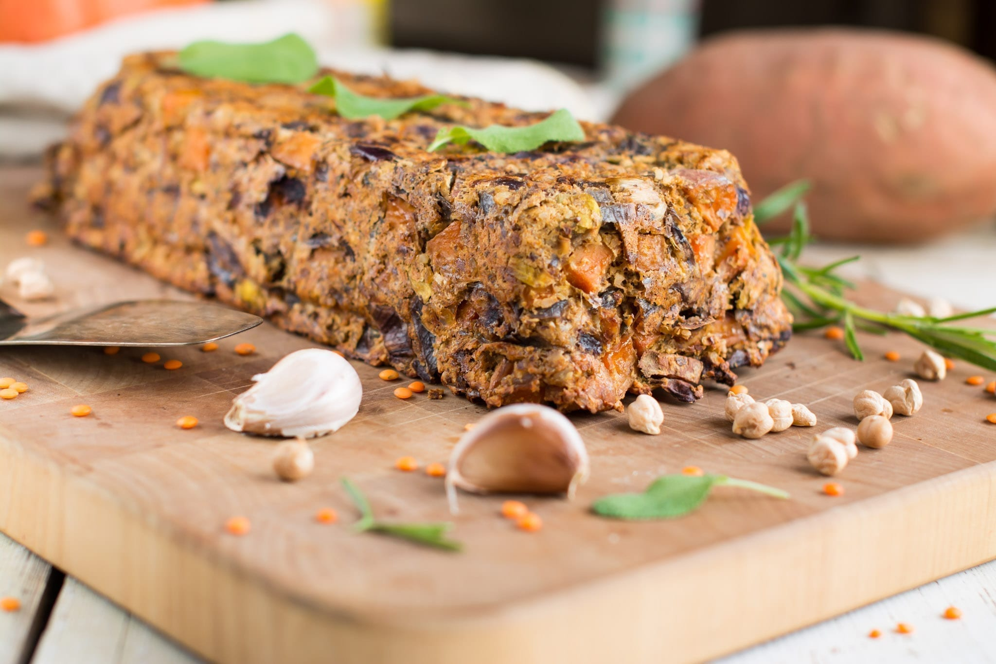 Lentil loaf with potatoes and nuts