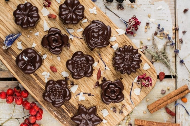 raw chocolate recipe with superfoods