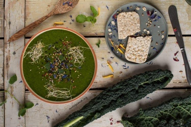 Creamy Vegan Soup with Peas, Broccoli and Kale
