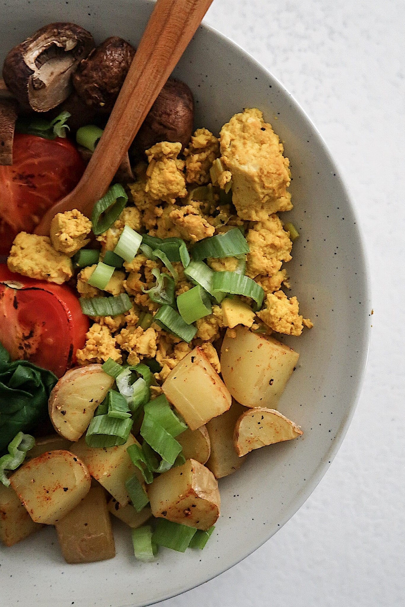 Healthy Vegan Breakfast Recipes, Tofu scramble breakfast bowl